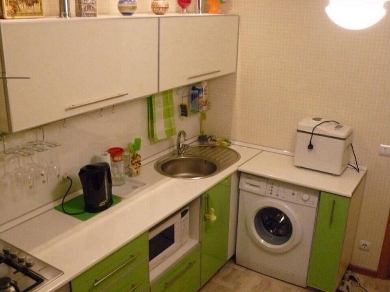 Кухня фасад+ пленка ПВХ+алюминиевая рамка со стиральной машиной