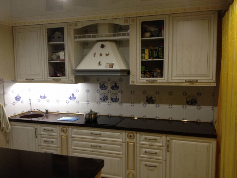 Кухня с патиной  5